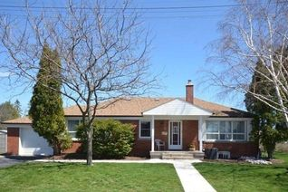 Detached Bungalow for Rent, 9 Archwood Cres, Toronto, ON