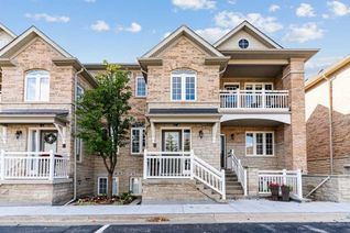 Condo Townhouse Stacked Townhouse for Sale, 520 Silken Laumann Dr #18, Newmarket, ON