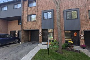 Condo Townhouse 3-Storey for Sale, 20 Mineola Rd E #20, Mississauga, ON