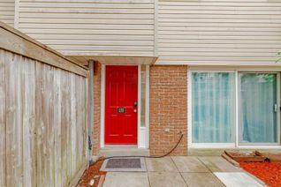 Condo Townhouse Multi-Level for Sale, 135 Milestone Cres, Aurora, ON